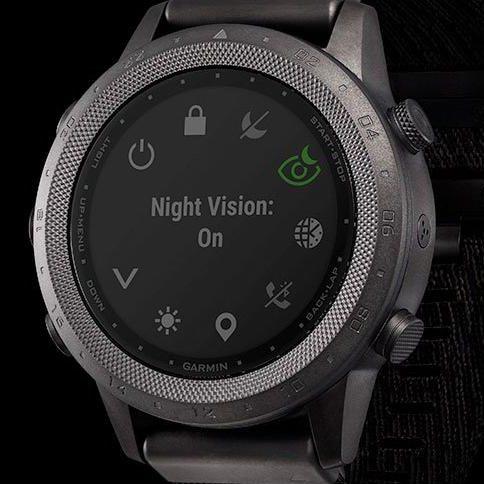 Часовник Garmin MARQ Commander