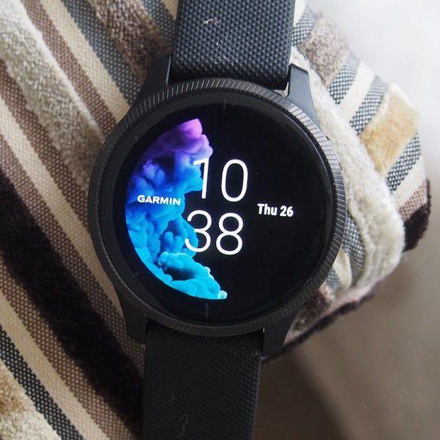 Смарт часовник GARMIN VENU черно със сиво
