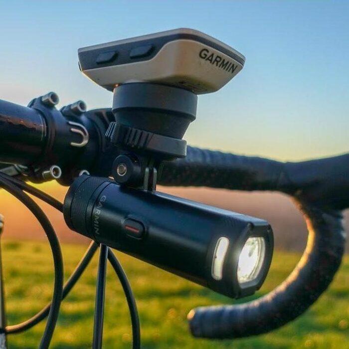 Велосипеден фар Varia UT800 Smart Headlight Urban Edition
